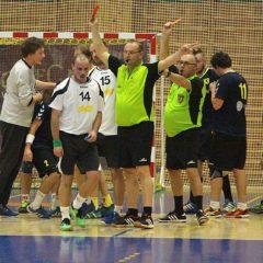Historie: Jiskrovské derby patřilo hostům, sudí nešetřili kartami, rozdali čtyři žluté, tři červené a jednu modrou